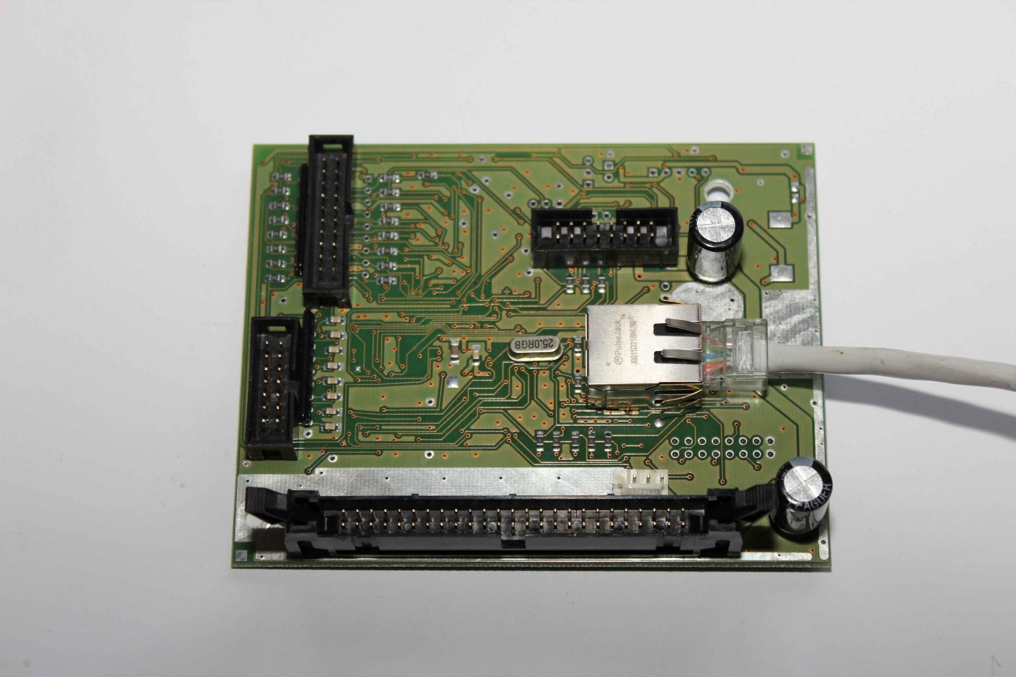inteligentny budynek eHouse podłączenie Ethernetu do EthernetRoomManagera